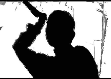 Schatten eines Masses mit Messer, der an Norman Bates erinnert.