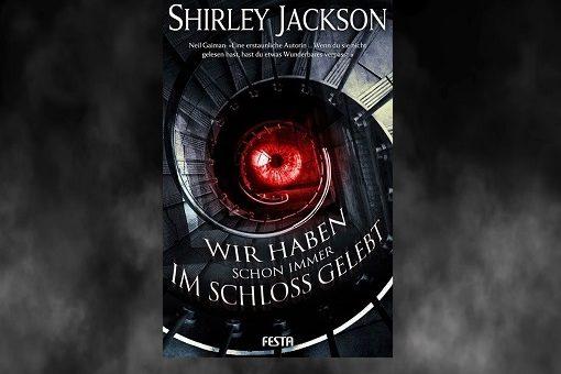 """Buch """"Wir haben schon immer im Schloss gelebt"""" vor Nebelhintergrund"""