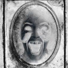 Schreiendes Gespenst im Spiegel als Vorschaubild auf Marius-Tahira.de